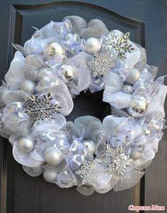 Christmas wreaths white christmas wreath silver snowflakes wreath deco mesh wreath tutorial step by step Christmas Wreaths To Make, Holiday Wreaths, Christmas Decorations, Winter Wreaths, Diy Christmas, Spring Wreaths, Hallmark Christmas, Christmas Vacation, Primitive Christmas