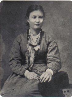 Love Snow (aka Diane Keck) - Kickapoo - between 1877 and 1882 — mit Ansata Innana und Chimala Naiya Yachay Chayna.