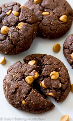 These flourless peanut butter brownie cookies are so rich and indulgent tasting, you won't miss the flour...