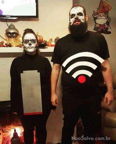 """Isso realmente da medo - Fantasias pra vc olhar e dizer """"pqp porque não pensei nisso antes??!"""". CLIQUE AQUI e veja todas! Arrume alguém pra ir de Homem Sereia e Mexilhãozinho —- Essa aqui de abacate caso vc não tenha vergonha da pança —- VAMO FUMAAAAA —- Um ninja da Vila do Lixo —- Achei minha fantasia de Halloween pic.twitter.com/SK8ePgXP4a …"""