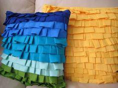 Almofada de babados é linda e fácil de ser feita.