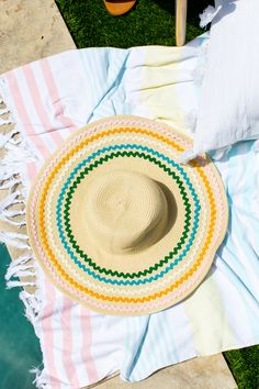 Nothing says poolside glam and Summer ready quite like a DIY ric rac Summer hat that you can make in just ten minutes flat! Summer Diy, Summer Hats, Etsy Wood Signs, Wood Projects For Beginners, Diy Projects, Diy Gifts For Men, Sell On Etsy, Diy Crafts To Sell, Creative