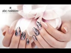 #abc_nailstore #nails #naildesign #3D #Design #Nagelmodellage #nude #Nägel #black #schnörkel