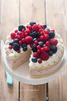 Torta ai frutti di bosco (fredda con yogurt ) - Ricetta buonissima berry cake - fruit cake