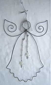 wire angel for Ma Diy Angels, Beaded Angels, Wire Ornaments, Angel Ornaments, Wire Crafts, Holiday Crafts, Wire Wrapped Jewelry, Wire Jewelry, Art Fil