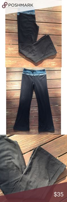 """☀️EUC Lululemon Groove Yoga Pants Teal Black 6 Lululemon Groove Yoga Pants Teal & Black, size 6, in excellent used condition. 29"""" inseam. lululemon athletica Pants Track Pants & Joggers"""