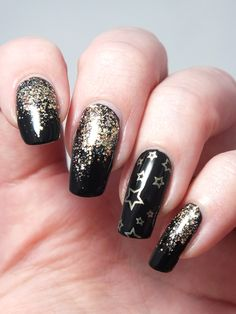 Gray Nails, Black Nails, Black White Gold, Red Gold, Nail Art Noir, Nail Art Designs, Gold Acrylic Nails, New Years Eve Nails, New Year's Nails