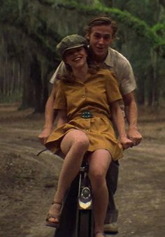 Really love this one too - Ryan Gosling isn't too bad either. Rachel McAdams mustard yellow dress in The Notebook Cute Relationship Goals, Cute Relationships, Iconic Movies, Good Movies, The Love Club, Old Love, Seinfeld, Couple Aesthetic, Romantic Movies