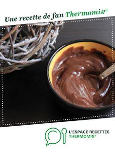 Crème au double chocolat (façon Danette) par Papilles-on-off. Une recette de fan à retrouver dans la catégorie Desserts & Confiseries sur www.espace-recettes.fr, de Thermomix<sup>®</sup>. Creme Dessert Thermomix, Thermomix Desserts, Danette, Macarons, Mousse, Pudding, Facon, Parfait, Robot