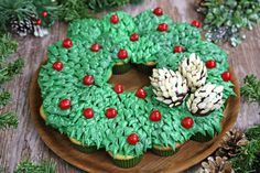 This Cupcake Wreath is a beautiful Christmas dessert! It's cute, easy to make, and it feeds a big crowd!