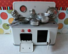 Vintage tin toy kitchen Efzet German DDR by DollEnthousiastHome