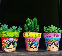 Idea Of Making Plant Pots At Home // Flower Pots From Cement Marbles // Home Decoration Ideas – Top Soop Pebble Painting, Pottery Painting, Ceramic Painting, Pebble Art, Stone Painting, Painted Clay Pots, Painted Flower Pots, Painted Pebbles, Flower Pot Design