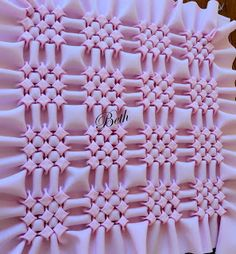 This Pin was discovered by Dje Smocking Tutorial, Smocking Patterns, Sewing Patterns, Sewing Hacks, Sewing Crafts, Sewing Projects, Canadian Smocking, Fabric Manipulation Techniques, Crochet Cushions