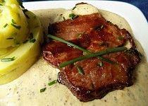 Výpečky na smažené cibuli, hrubozrnné hořčici a medu Steak, Beef, Food, Meals, Meat, Essen, Steaks, Yemek, Eten