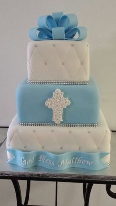An idea for his cake, except the theme colors are white and gold.