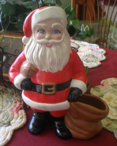 Vintage 1982 Ceramic Santa Claus Figurine by NeldaMaesCloset, $10.50