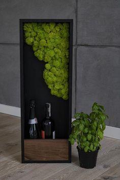 Decorative shelf with moss Moss Wall Art, Moss Art, Flower Arrangement Designs, Modern Flower Arrangements, Inspiration Wall, Garden Inspiration, Moss Decor, Little Plants, Plant Wall
