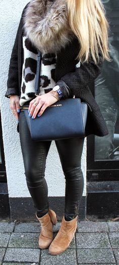 Blue Leo. / FashionTwinstinct