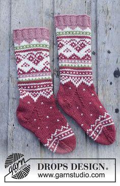 Visby Socks / DROPS Children - Knitted socks with multicolored Nordic . Visby Socks / DROPS Children - Knitted socks with multicolored Nordic pattern for children. Sizes 24 - The pie. Crochet Cowl Free Pattern, Crochet Socks, Knit Mittens, Knit Or Crochet, Knitting Patterns Free, Free Knitting, Knitting Socks, Crochet Patterns, Tunic Pattern