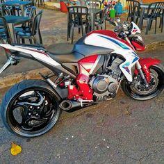 «@lobuz_sanduicheria | Moto Linda do caramba | CB 1000 R»
