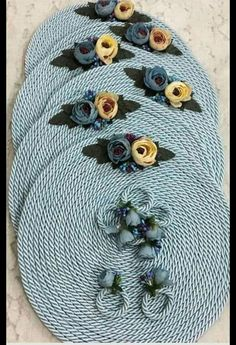 21 Beautifully Stylish Rope Projects That Will Beautify Your Life Diy Crafts For Home Decor, Easy Diy Crafts, Crafts To Sell, Arts And Crafts, Rope Decor, Crochet Placemats, Jute Crafts, Crochet Decoration, Macrame Patterns