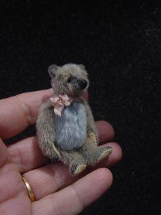 """Junie Miniature 2 1/4 """" Artist Bear from Aerlinn Bears"""