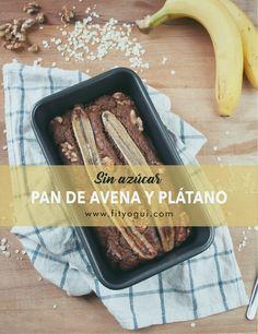 Pan de plátano y avena sin azúcar: rico, fácil y sano para tus desayunos o snacks. Endulzado con plátano y sirope de arce.