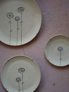 Enhance Your Bathroom Using Ceramic Tiles Pottery Plates, Pottery Mugs, Ceramic Pottery, Pottery Art, Pottery Painting Designs, Pottery Designs, Clay Plates, Ceramic Plates, Ceramic Clay