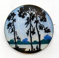 Skogsmotiv av gullsmed Lars Harsheim, trolig 1910- 1920. 3,2 i diameter pris kr 1400. så vidt antydning til riper på midten . FINN.no - Mulighetenes marked