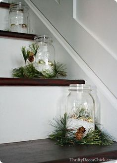 Such a pretty touch to the stairs for Christmas #christmasdecor #christmasdecorations