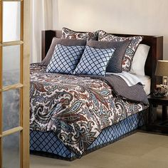 @Overstock - The predominant pattern on this queen-size duvet cover set is a modern paisley design using varying shades of blues and chocolate on a white background. The set reverses to a solid chocolate background with a light blue polka dot pattern.http://www.overstock.com/Bedding-Bath/Lexington-9-piece-Queen-size-Duvet-Cover-Set/7180719/product.html?CID=214117 $89.99