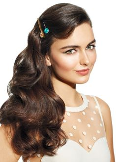 Erica's Fashion & Beauty: Get The Look - Pinned Back Retro Waves #hairstyling #hair #retrohairstyle