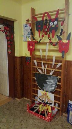 Ladder Decor, Elsa, Classroom, Den, Flowers, Education, Home Decor, Manualidades, Fire