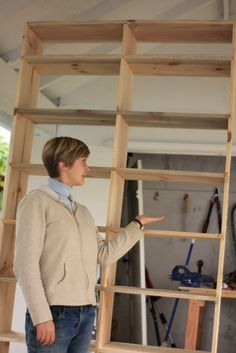 DIY Built in bookcases.. I want lots of shelving on my house!!