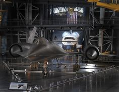 lockheed sr 71 blackbird pictures free for desktop by Ewell Young Space Shuttle Enterprise, Plane And Pilot, Air And Space Museum, Air Space, Military Jets, Military Aircraft, Fighter Jets, Aviation, Blackbird