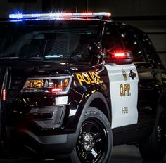 Ontario Provincial Police Ford Police, Police Patrol, Police Vehicles, Emergency Vehicles, Radios, Police Code, John Law, Joining The Police, Female Police Officers