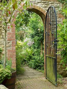 Gateway to a Hidden Garden with a beautiful brick walkway!Gateway to a Hidden Garden with a beautiful brick walkway! Garden Entrance, Garden Doors, Entrance Gates, Garden Gate, Diy Garden, Garden Cottage, Dream Garden, Garden Landscaping, Fruit Garden