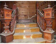 1887 Queen Anne, Calvert, TX    impressive staircase