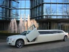 With Seattle's Town Car you can experience elegance, style and convenience to and from any occasion you can envision.