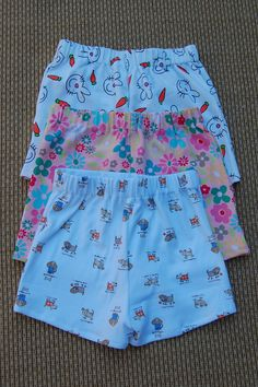 Shorts. Summer is coming soon, I'd better learn how to sew shorts! This is a helpful tutorial link with pattern. I will use this to make summer shorts for little girls. This would also be good for little boys shorts too.