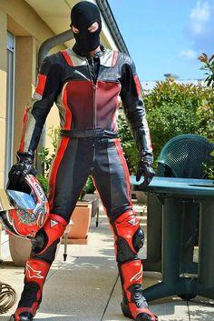 Leather Biker in Mask Bike Suit, Motorcycle Suit, Leather Fashion, Leather Men, Leather Boots, Motorbike Leathers, Biker Boys, Biker Gear, Leder Outfits