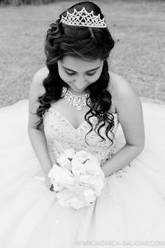 Marissa's Quinceanera Portraits at the Fort Worth Botanic Gardens by Fort Worth quinceanera photographer Monica Salazar Photography.