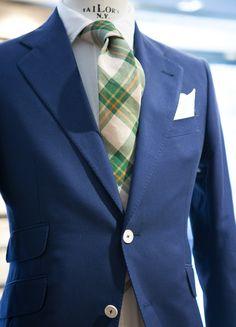landerurquijo:Changing your outfit is as easy as choosing a different tie… / Cambiar tu look radicalmente es tan facil como elegir una corbata especial…