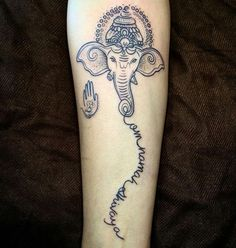 """Tatuagem feita por @carol.mariath Anna Carolina Vianna Tattooartist.Rj. Atendimento com hora marcada.  BARRA:2438-9108- GÁVEA: 2529-6414 - JACAREPAGUÁ: 2436-2486 e-mail: carol.mariath94@gmail.com  Om Namah Shivaya [pronúncia: ôm namá xiváia] é um mantra que significa: """"Om inclino-me perante Shiva"""" ou """"Om inclino-me perante o meu divino Ser interior"""". É utilizado na meditação ióguica e os seus praticantes afirmam que o seu japa induz um profundo relaxamento físico e mental além possuir…"""