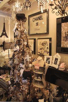 Paris Christmas decor | Black and White Christmas inspired by Paris decor | Home