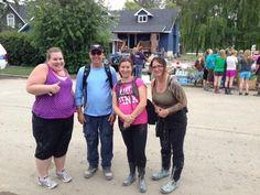 New volunteer friends! #yychelps #yycflood #bowness pic.twitter.com/TvX2IWvpVI