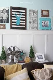 turquoise frames on striped wall - Recherche Google