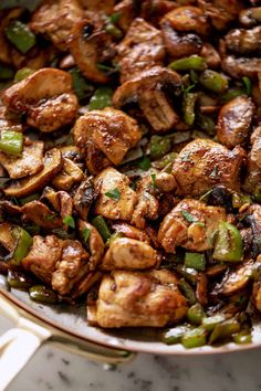 Garlic Mushrooms, Stuffed Mushrooms, Stuffed Peppers, Cafe Delites, Chicken Bites, Mushroom Chicken, Mushroom Recipes, One Pot Meals, How To Cook Chicken