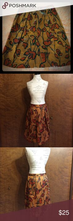 "🍁Simply Vera Wang Floral Skirt🌹 Bronze with red flowers. Vera Wang (Simply Vera) size 4- waist about 14.5"" across. 23"" long.  Polyester. Will be beautiful for Fall! Simply Vera Vera Wang Skirts A-Line or Full"