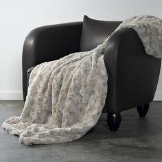 plaid en fausse fourrure haut de gamme phoque fibres. Black Bedroom Furniture Sets. Home Design Ideas